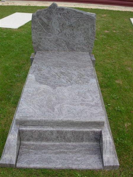 Entretien tombe près de Givrand